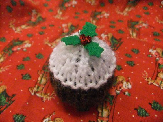 Free knitting pattern - tiny Christmas pudding