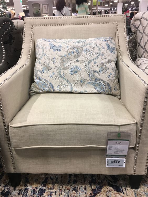 Doesn't come with the blue pillow