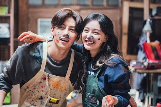 "Upcoming drama ""City Couple's Way of Love: My Lovable Camera Thief"" has released new stills of JI CHANG WOOK and KIM JI WON"