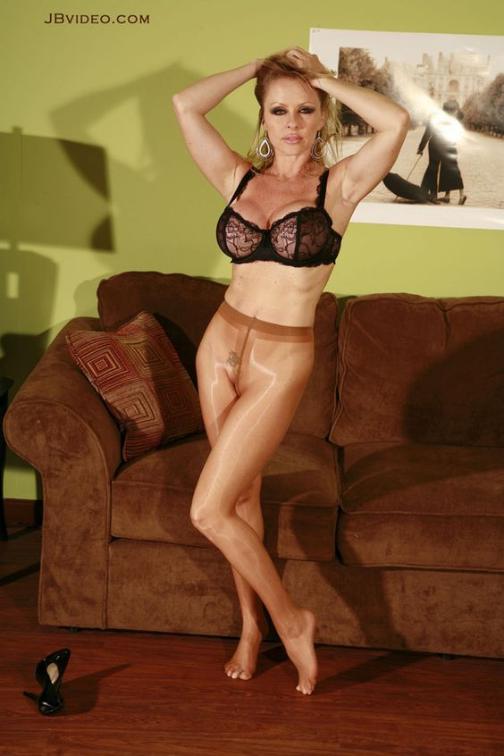 Dyanna lauren milf like it black