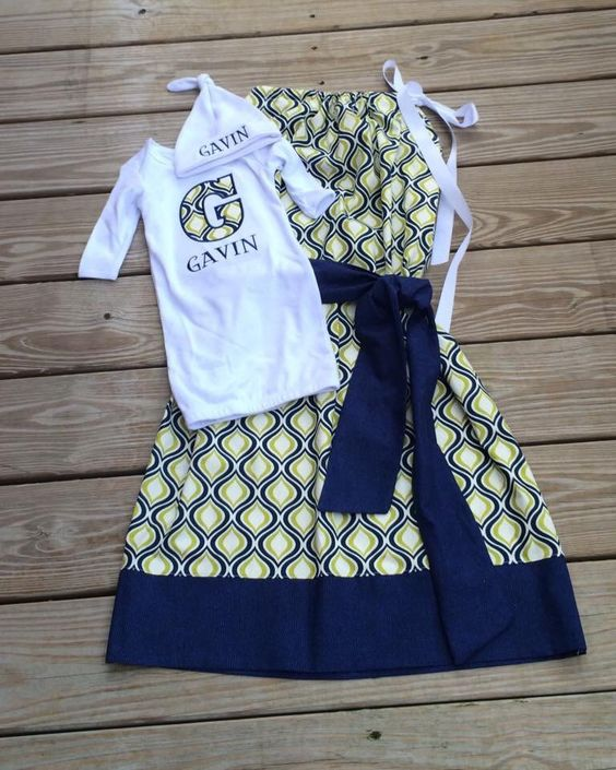Mommy and Baby matching hospital gowns/ Maternity Gown!l by Mimimadeitboutique on Etsy