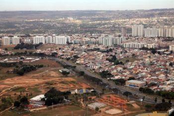 Escrituras serão entregues nesta quarta no Guará - http://noticiasembrasilia.com.br/noticias-distrito-federal-cidade-brasilia/2014/08/13/escrituras-serao-entregues-nesta-quarta-no-guara/