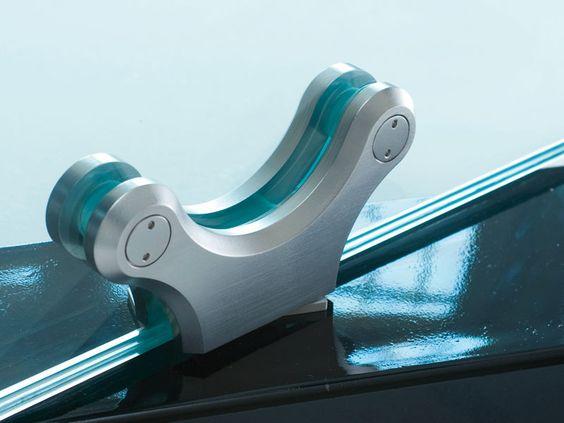 Bisagra para puertas de vidrio oxidal bisagra serie for Manijas para puertas de vidrio