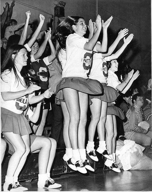 Retro Legs, Retro Leggy Ladies - Vintage Leggies