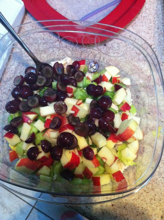 What's Caroline Marie Making Today?: Caroline's Chicken Salad