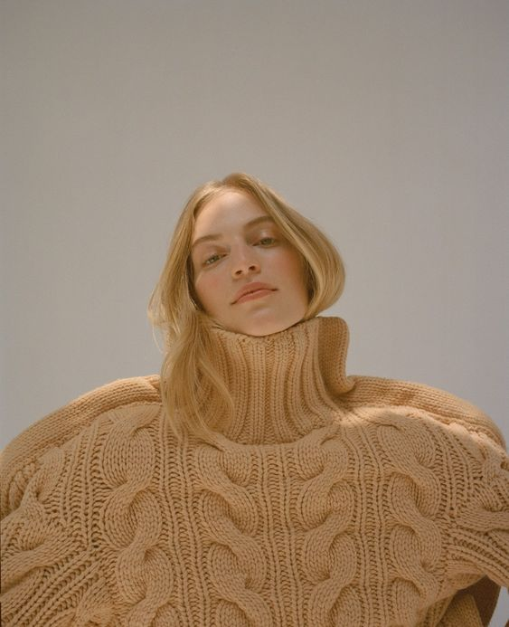 Vanessa Axente by Agata Pospieszynska / Harper's Bazaar Spain November 2018