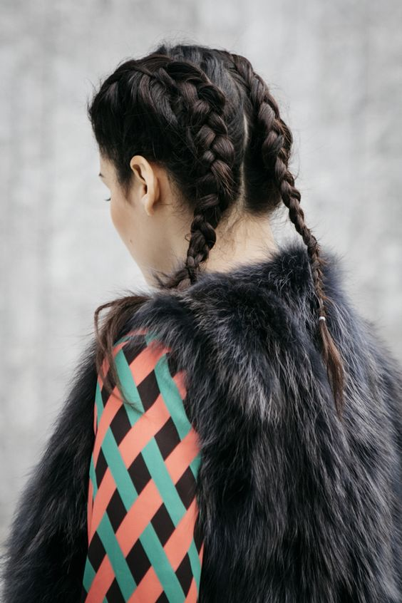 Boxer braids are everywhere this season: they are super easy to do and are very on-trend for Spring Summer 2016: