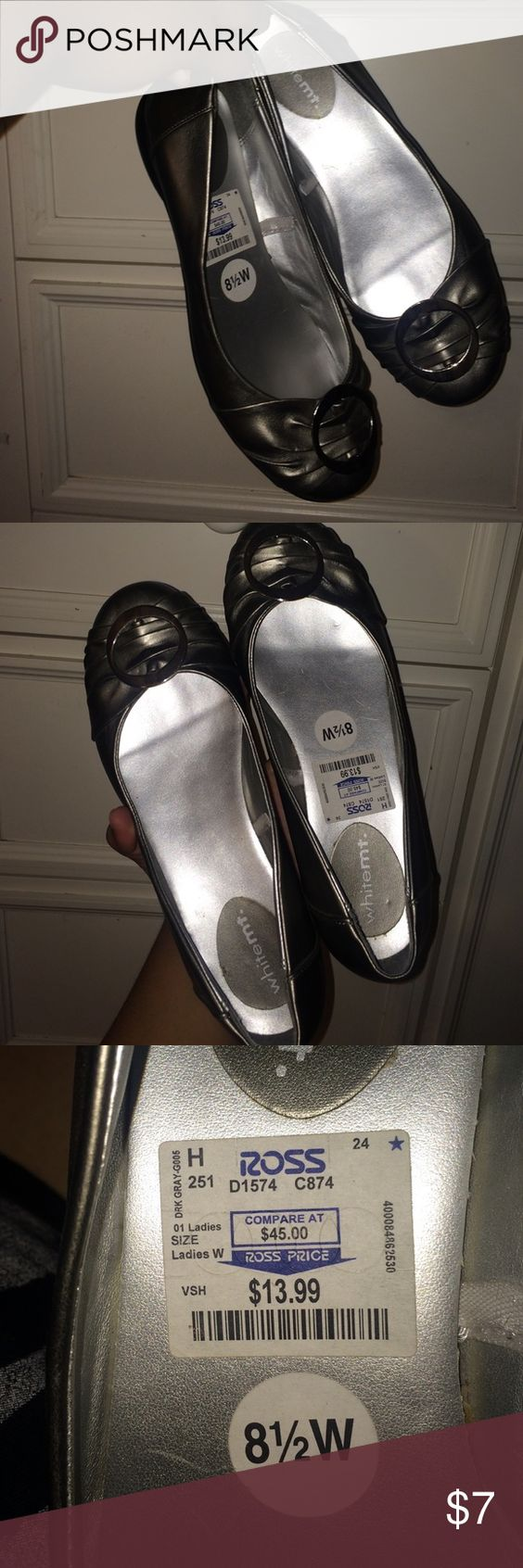 Silver flats Comfy flats to go with any outfit. Purchased from Ross. 8.5 Wide but fits size 9 White Mt Shoes Flats & Loafers