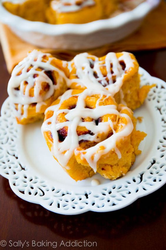 brunch maple cream cream cinnamon rolls yeast bread cream cheese icing ...