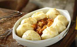 Nhoque de pão amanhecido com molho de frango e de tomate - Receitas - Receitas GNT