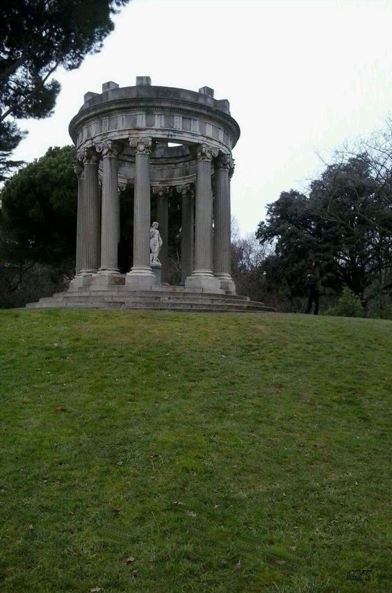 Templo de Diana en los Jardines de El Capricho, Madrid