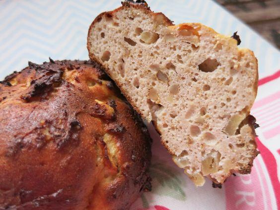 Low Carb Rezepte von Happy Carb: Apfel-Walnuss-Frühstücksbrötchen - Apfel, Walnuss und Kokos. Leckere sättigende Happy Food Brötchen nach meinem Geschmack.