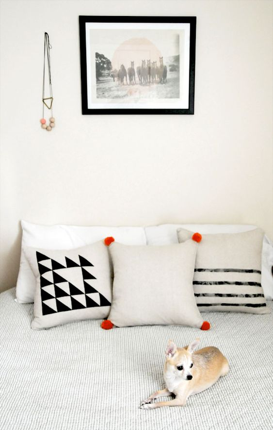 DIY Pillows - Three Simple Tutorials sponsored byHomeMint - Home - Creature Comforts - daily inspiration, style, diy projects + freebies