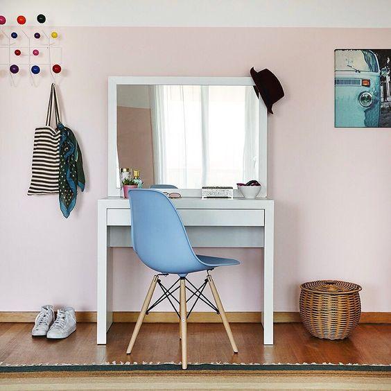 Espelho espelho meu... existe móvel mais indispensável do que uma penteadeira em um quarto de menina? NÃOOO! Esse modelo é simples lindo e fácil de compor com qualquer decoração. Amamos essa produção Casa Mobly! #producaoMobly #decoration #instadecor #instahome #casa #home #interiordesign #homedesign #homedecor #homesweethome #inspiration #inspiração #inspiring #decorating #decorar #decoracaodeinteriores #Mobly #MoblyBr #CasaMobly #room #quartodemenina
