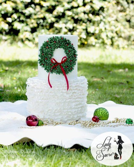 Christmas Wreath Ruffles Cake by LadySucre