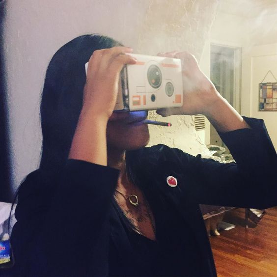 An awesome Virtual Reality pic! When your Friendsgiving consists of joints and virtual reality you're guaranteed to have a good time.  @annaivsale  #virtualreality #weed #friendgiving #greattimes #thisvirtualrealityshitisnojoke by little_miss_disaster check us out: http://bit.ly/1KyLetq