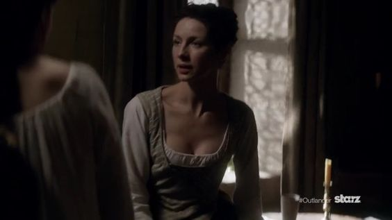 """Episode 1×13 """"A True Scot""""   Jennie tells Claire her labor has started."""