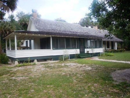 FLORIDA L Author Marjorie Rawlings Summer Home Kinnan Historic State Park Is Located On