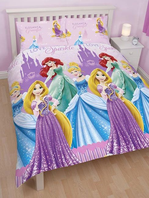 This Disney Princess Sparkle Double Duvet Set has a pretty castle theme and features princesses Cinderella, Rapunzel and Ariel. This set includes one single duvet cover and one pillowcase. This item can be machine washed and tumble dried on a cool setting.