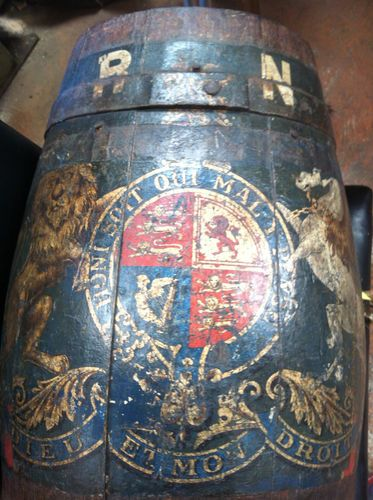 RARE earley 19th century ROYAL NAVY BARREL, WITH COAT OF ARMS HOUSE OF HANOVER - George 3rd.