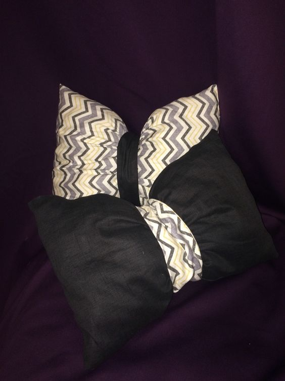 Easy DIY bow pillow