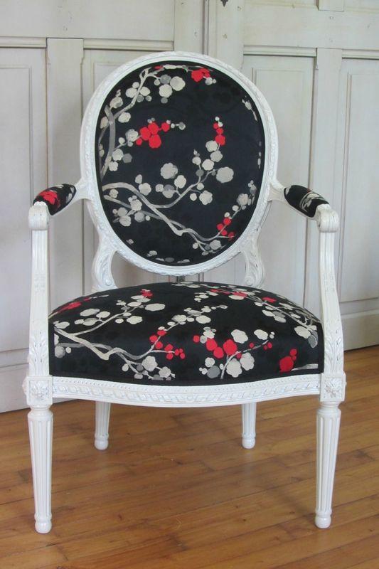 Changer Le Tissu D Une Chaise Tapissier A Plougastel Daoulas Avec