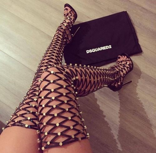 game lit chaussures sexyshoes highheels talons bottes wedges chaussures chaussures chaussures belles chaussures chaussures glam talons sandale hauts