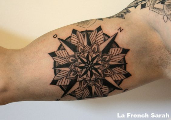 Mandala rose des vents compass mandala lafrenchsarah tatouage pinterest mandalas - Tatouage rose des vent ...