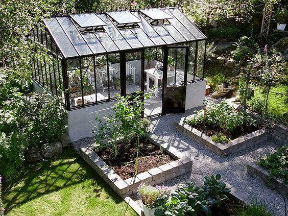 Design Obsesion Black Glass Greenhouses Sg Style Garden Design Plans Greenhouse Gardening Garden Design