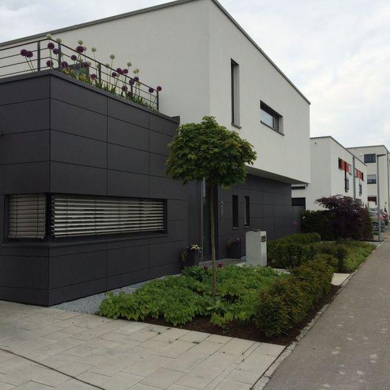 Einfahrt Vorhof mit Metten Pflaster 1x1m Modern House - garageneinfahrt am hang