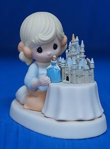 Precious Moments .... A World Of My Own ..... Disney Resort Exclusive - http://www.preciousmomentsfigurines.org/disney/precious-moments-a-world-of-my-own-disney-resort-exclusive/