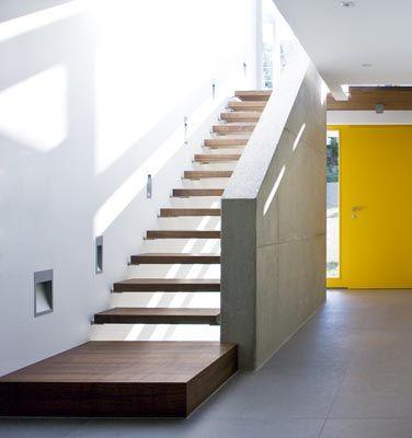 Blockstufentreppe und Sichtbeton