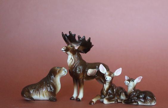 Kelvin Fine Bone China Moose Family (not my pic!) I must find these guys! So adorable!