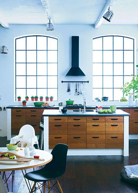 vier k chen vier stile katzen esszimmergarnituren und industriell. Black Bedroom Furniture Sets. Home Design Ideas