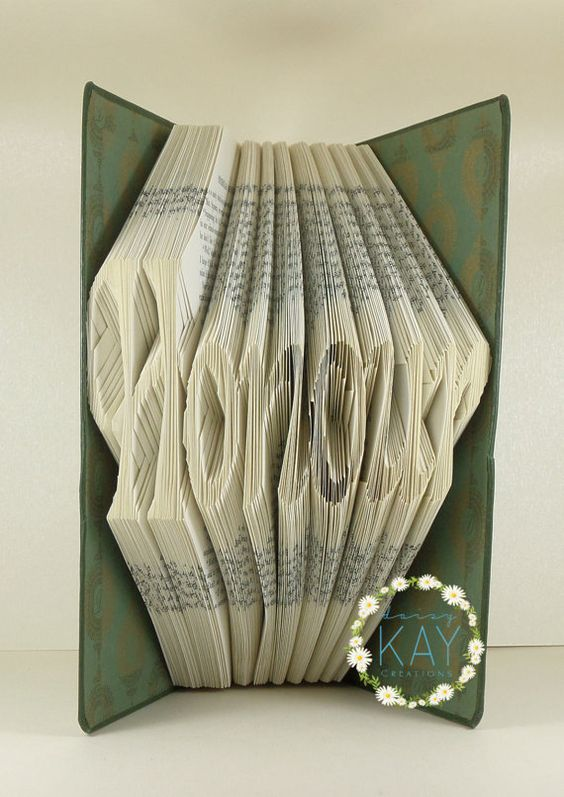 Book Folding Pattern Word  Honour  287 Folds by PatternsByDaisyKay