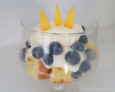 Catholic Cuisine: Blueberry Peach Parfaits for the Coronation