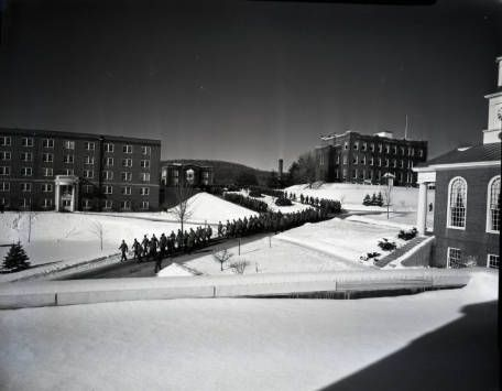 Corps marching to chow, 1958
