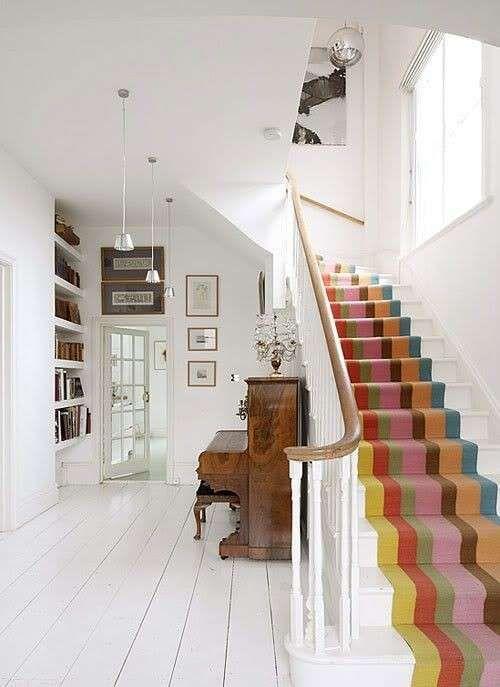 Come abbellire le scale, un elemento puramente pratico della casa, con una mano di vernice in tonalità incantevoli. Come Dipingere Una Scala Interna Nel 2020 Parapetto Scala Progettazione Scale Interni Casa
