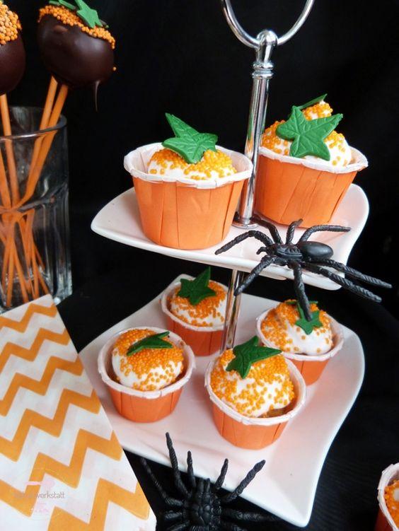 Nicht nur was für schwarze Witwen - leckere Cupcakes zu Halloween
