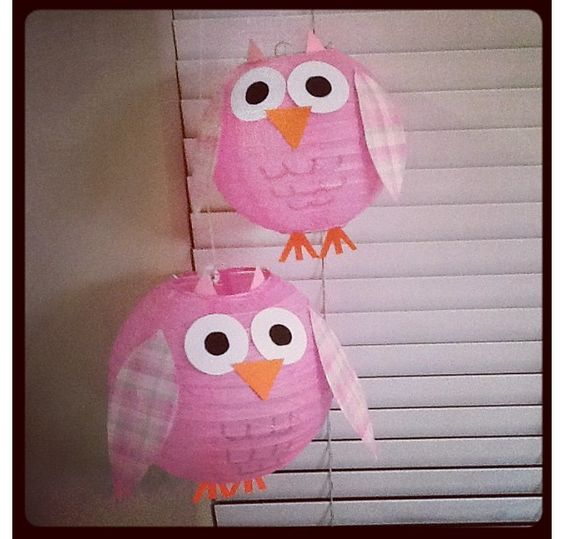 Paper lanterns owl themed parties and paper lantern owl for Baby shower owl decoration ideas