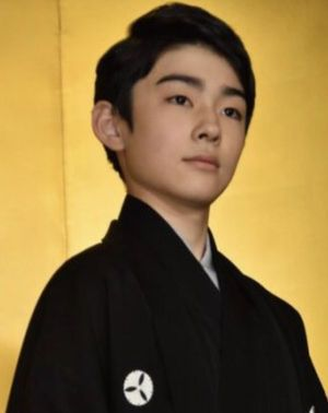 斜めからでも凛々しい八代目市川染五郎のかっこいい画像