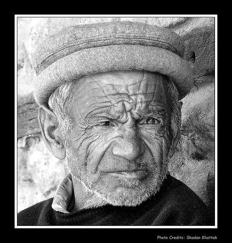 faces, http://www.hunzatimes.com/oldman-ganish-hunza.jpg