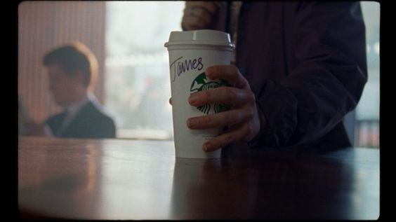 Starbucks emociona y genera conciencia sobre la importancia de la identidad y aceptación de las personas trans