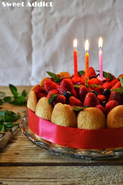 Charlotte Cake Receta:http://www.sweetaddict.es/2015/05/charlotte-cake-para-el-3-aniversario-de.html