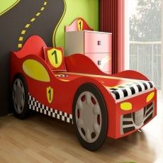 Cameretta Super Speed, con il suo letto sagomato ad auto da corsa è perfetta per ogni piccolo pilota! http://www.lettiniecamerette.it/it/2/camerettasuperspeed.htm