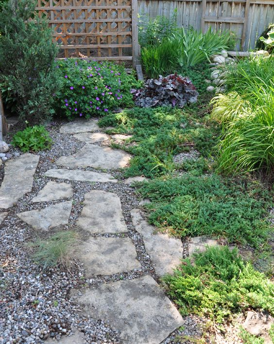 Pea gravel flagstone and grasses on pinterest for Stone path in grass