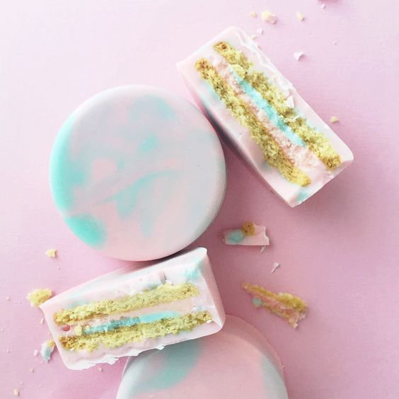 covered cotton candy Oreos by Jenna Rae Cakes