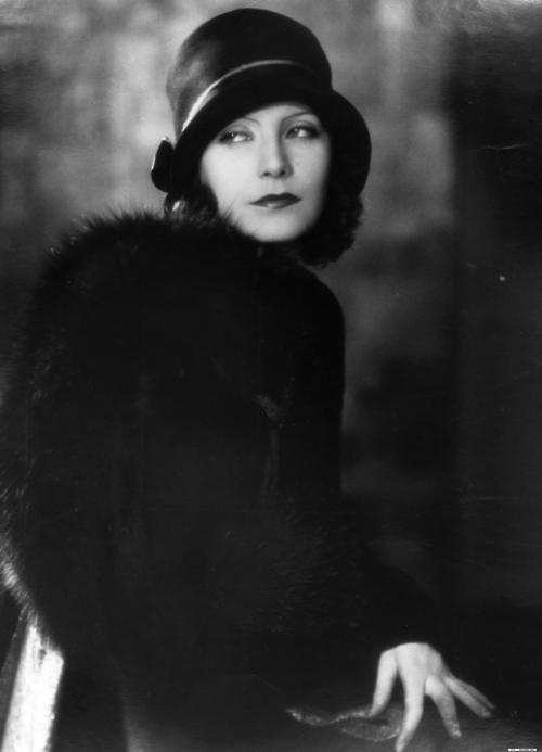 Greta Garbo + wonderful hat