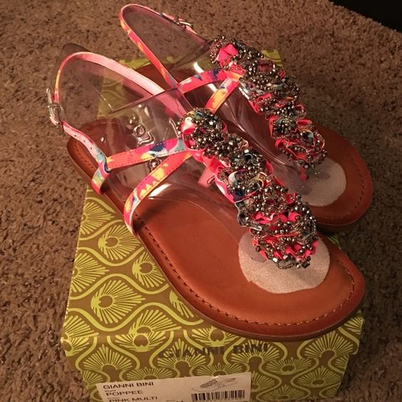 Multi-colored Gianni Bini sandal w/ beaded accent Pink multi-colored Gianni Bini sandal w/ beaded accent. Brand new, never worn. Buy this in preparation to spice up your future summer outfits! Gianni Bini Shoes Sandals