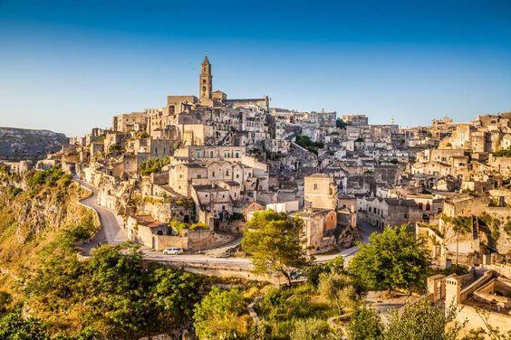 Matera - Itália - cidadezinha italiana  esculpida em calcário há mas de 1000 anos